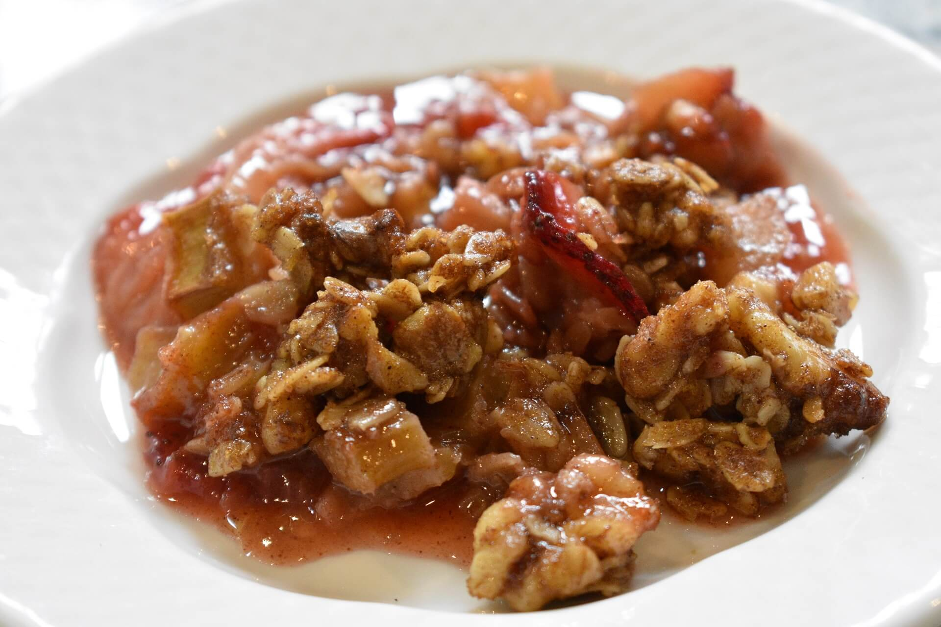 Strawberry Rhubarb Crisp Vegan